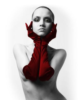 only red by tenotti