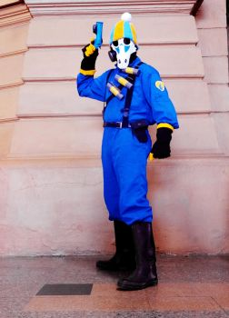 BLU Pyro cosplay by Chilly-chan-cute