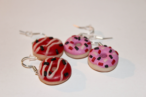 Donut earrings by Hrasulee