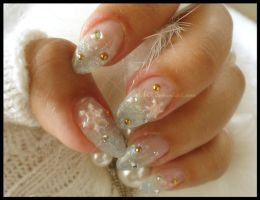 Snowy Nails by CandyRobot