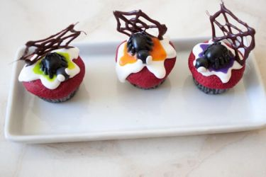 Fake Spider Cupcakes by YourSweetTreat