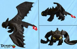 Toothless Plush by DemodexPlush
