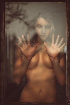 behind the glass by fotoPScz