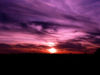 purple eye in the sky.. by spurzetti