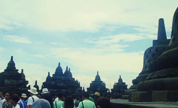 Borobudur Temple by Evabnormal