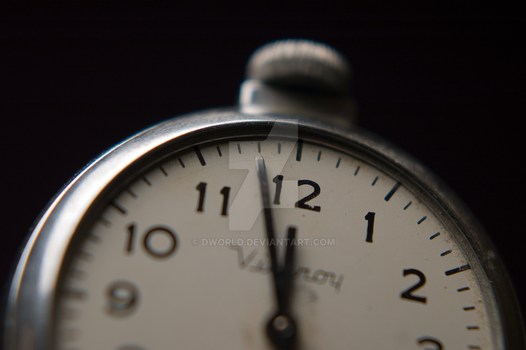 Pocket Watch Extreme Depth of Field by dworld