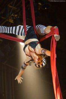 Acrobat by wildespace