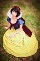 Snow White by Riddle1