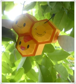 Combee in the sunny day by Toshikun
