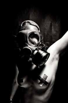 gas mask-nude by snufftape