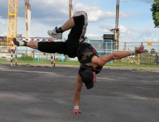 Breakdance Posing Balance 2 by MINORITYmaN