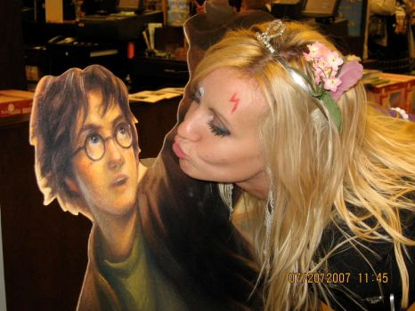 Harry Potter is my bf by Purplesunset3