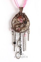 Steampink pendant with chains by ukapala