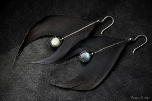 Mizar and Alcor earrings by omegaptera