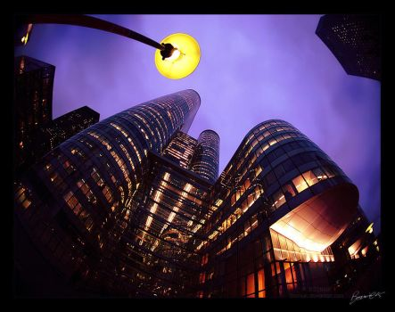 False Moon on La Defense by bosniak