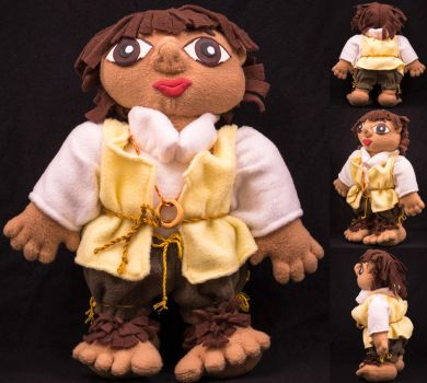 Frodo Baggins plush by Blodwedden