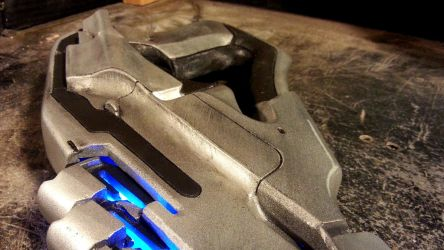 Mass Effect Arc Pistol by blackleafcreative