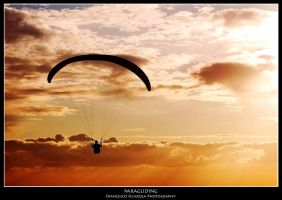 Paragliding by pumax84