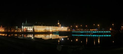 Wroclaw University on New Year's Eve by wesoly-romek