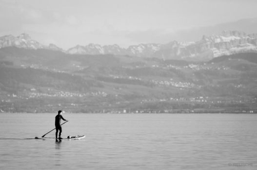 stand up paddling by reuschi