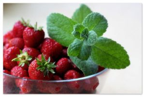 224 - Strawberries... by AnnaMagdalenaPe