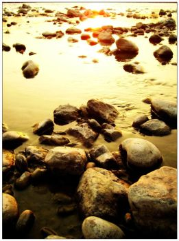 stones in Ganga... by Ikabe