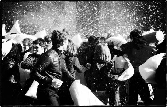 Pillow fight - flash mob by matimaticas