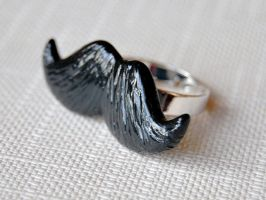 Mustache Ring by Madizzo