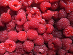 Raspberries. by gissellehelena
