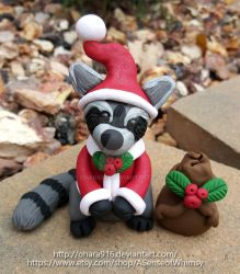 Sweet Santa Raccoon: Sold by ohara916