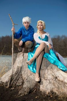 JackFrost x Elsa Cosplay 2 (Video) by blondewolf2