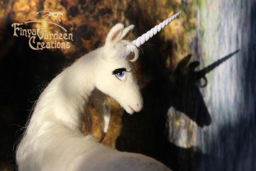 013 The White Lady - needle felted by Finya-Vardeen