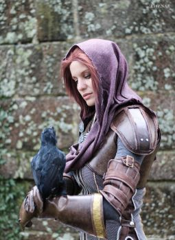My Leliana cosplay with bird by Ewenae