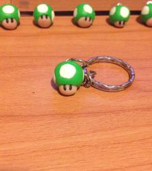 Mario 1up Mushroom keychain by MiniMushies