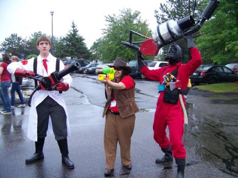 Tf2 Red Team Cosplay Portcon09 by Volorkey