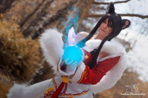 Ahri cosplay by Bahamut95