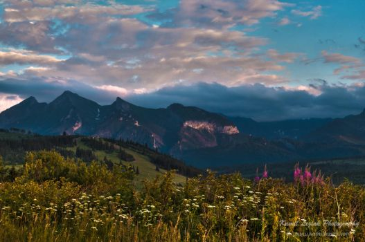 Mountains at dusk by vertiser