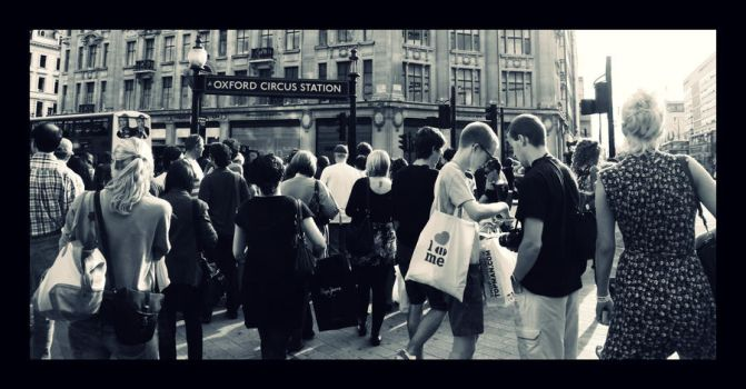 Oxford Circus by terresebatate
