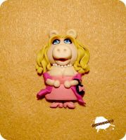 FIMO - Miss Piggy by buzhandmade