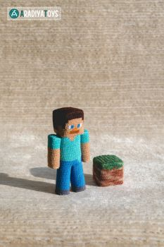 Steve from 'Minecraft', amigurumi toy by AradiyaToys