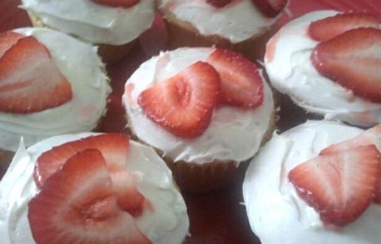 Strawberries and Cream Cupcakes by silverHyacinth