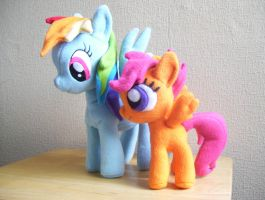 Rainbow Dash and Scootaloo by EquestriaPaintings