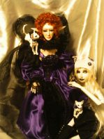 the queen and her pets by Dollysmith