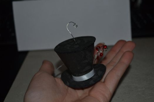 Mad Hatter Hat Ornament by evilpokejuggalette