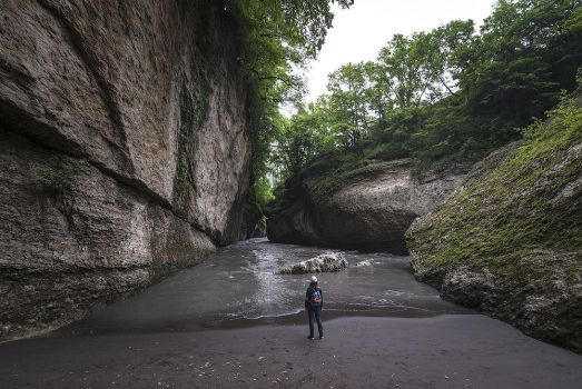 Small beach in the canyon by dack99