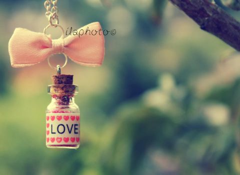 Love Bottle by Lilith1995