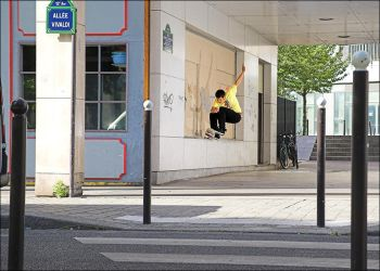 Martin - Front Fakie Nosegrind by SnoopDong