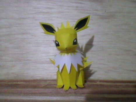 Jolteon Papercraft by henechi