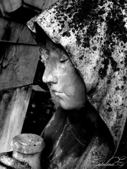 Black and White statue by CryingForTheAngels
