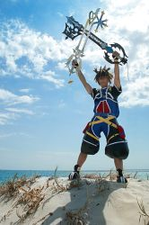 CosPhoto: Sora Keyblades by Risachantag